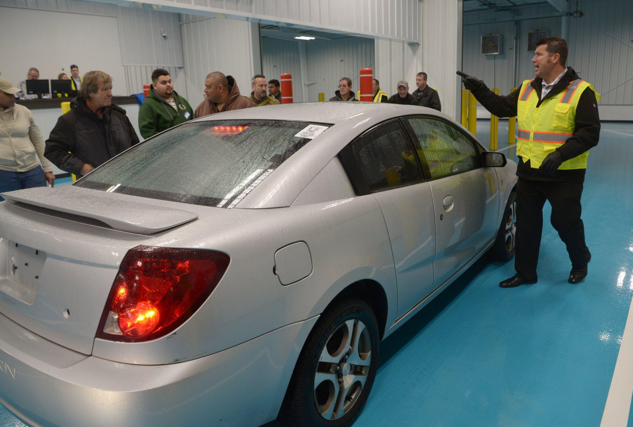 Hoffman Estates auto auction facility celebrates opening