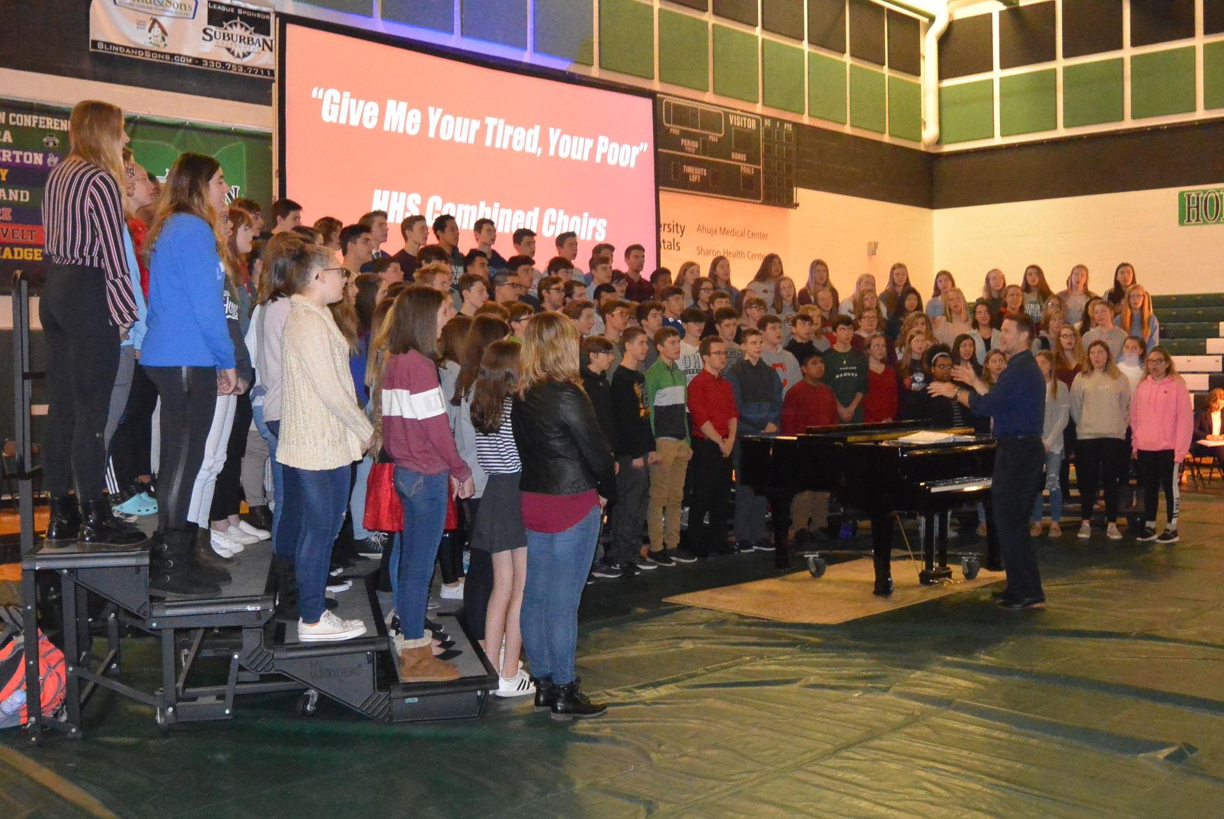 Highland High School pays tribute to veterans Students, staff
